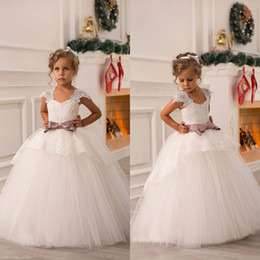 Off Shoulder Ball Gown Girl Pageant Dresses Lace Sash Tulle Princess Dresses Girl Party Dresses Flower Girl Dresses BO8551