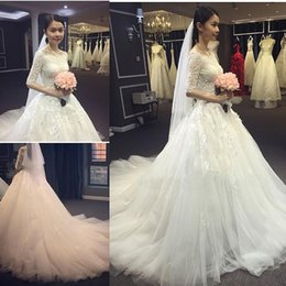 White Appliqued Lace Wedding Dresses Bateau 1 2 Sleeves Bridal Gowns Court Train A-Line Wedding Dress