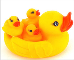 Wholesale 4pc Bath Toys Shower Water Floating Squeaky Yellow Rubber Ducks Baby Toys Water Toys Brinquedos For Bathroom