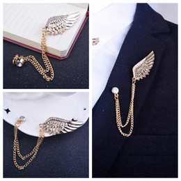 Vintage Gold Wings Brooch Fashion Angel Wings Corsage Floral Scarf Animals Wings Pins Male and Female Universal Brooch