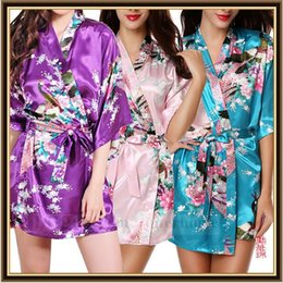Wholesale Women Silk Kimono Robe Geisha Peacock Blossom Night Gown Vintage Pajamas Lingerie Sleepwear Floral Bath Gown Bridemaid Party Nightwear B787