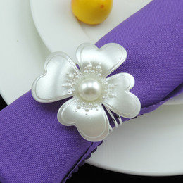 new flower Imitation Pearls silver Napkin Rings for wedding dinner,showers,holidays,Table Decoration Accessories wn277