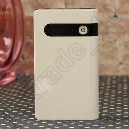 Wholesale 5PCS LJJH1350 cargador de batería de múltiples funciones del cargador de batería del coche del arrancador portable de mAh V mini LED ligero caliente
