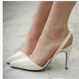 Boda de la sandalia del tacón alto cm en venta-Al por mayor-atractiva del dedo del pie del punto de Patentes Leahter de los tacones altos bombea los zapatos de las sandalias 2016 zapatos de los tacones rojos zapatos de boda más nuevo de la mujer de 9 cm Tamaño 35-41