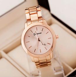 2017 regarder rose d'or New Luxury Genève Montres Femmes Montre habillée Rose d'or Hommes Casual Unisexe Auto date Quartz Montres-bracelets hombre Reloj Muje peu coûteux regarder rose d'or