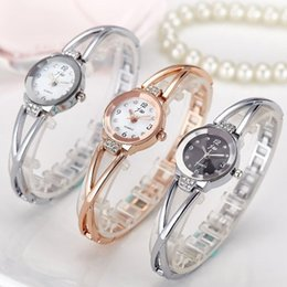New JW Watches Women Fashion Luxury Watch Rose Gold White Charm Bracelet Chain Rhinestone Casual Quartz Wristwatch