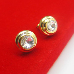 Anti allergy gold earrings man female ear 18K gold inlaid Austria crystal are not allergic to prevent discoloration