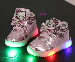 Wholesale New spring children girls led light shoes baby fashion casual bling Rhinestone hello kitty cat shoes kids causal princess shoes