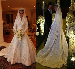 Vintage 2016 Winter Wedding Dresses Long Sleeve Satin Applique Lace Crystal Beads Chapel Train Wedding Ball Bridal Gowns High Neck