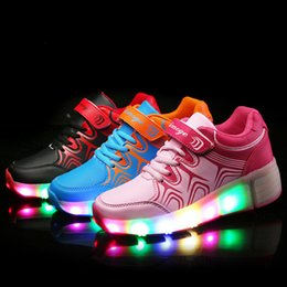 Wholesale 2016 Spring Women s Men s Heelys Roller Shoes Boy Girl automatic LED shoes for adults Men women Light shoes with wheel