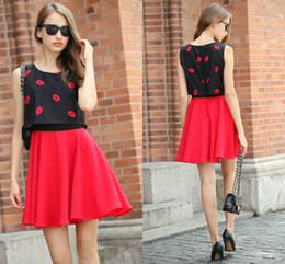 Tipos de pantalones cortos para las mujeres en Línea-Falso 2 pedazos de las mujeres del verano del O-cuello del chaleco vestidos de labios Impreso remiendo grande Péndulo Tipo Paño Una línea de vestidos de corto tamaño S-XL FS0308