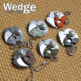 Wholesale WEDGE Models newest Small Coin Buckle Knife Keychain Mini knives Round EDC OEM Portable Knife Retail Key Chain utility knife