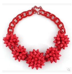 European and American luxurious Big Red Flowers Short Collar Necklace Bib Statement Chunky Chocker Necklace Fashion Jewelry for woman Girls