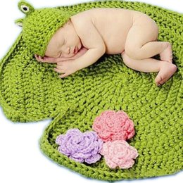 Wholesale Newborn Baby Frog Photo Props Green Crochet Knitting Baby Blanket Hat Knitted Photography Prop Online