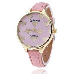 Descuento cuero reloj pulsera corazón 1 PCS Nueva cute en forma de corazón de las mujeres de la venda de cuero delgado de Ginebra del análogo de cuarzo ocasional de la pulsera reloj de los relojes Relogios Femininos