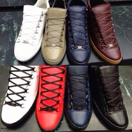 Wholesale Luxury Design Kanye West Shoes Zapatillas Hombre Fashion Shoes Casual Lace Up Comfort Trainer Supperstar High Top Flat Men Shoes