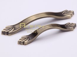 Wholesale Zinc Alloy Drawer Pulls Cabinet Door Handle and Knob Antique Simple Furniture Knobs for Kitchen and Cabinet