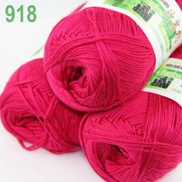 Wholesale of skeins Soft Natural Smooth Bamboo Cotton Yarn Knitting Berry Pink