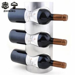 Porte-bouteilles en acier inoxydable en gros et en acier inoxydable pour porte-bouteilles à la main pour 3 bouteilles porte-barres support d'affichage livraison gratuite Y-153 à partir de barres autoportantes fabricateur