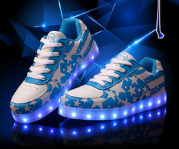 Wholesale Fashion Colors LED Luminous Shoes star US flag Men Women Sneakers USB Charging Shoes LED Light Up Shoe Glowing couples Flat Shoe gift