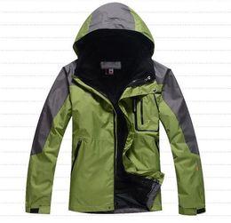 2016 New Men Winter Sports Jacket Fashion Classic Waterproof Windproof Jacket Man Outdoor Sports Wear Sportswear S-XXL
