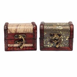 Wholesale 1pcs Antique Vintage Wooden Box Stamp Flower Small Metal Lock Jewelry Treasure Chest Handmade Retro Wood Organizer Case Box