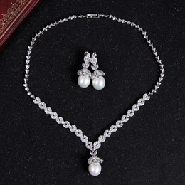 Wholesale Pearl zircon necklace wedding photo with make up artist must have EH25
