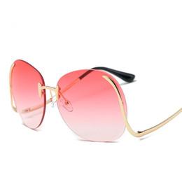 Fashion Rimless Oversized Sunglasses Women Fashion Sun Glasses Big Frame Gradient Ocean Lens Oculos Ladies Coat Eyeglasses