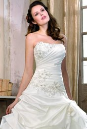 Wholesale Custom made Hot sale Strapless Ball gown Brush Satin Pleated Ruffles Applique Brdal gowns Plus size Wedding dresses Garden summer beach dre
