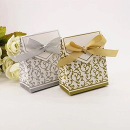Wholesale DIY paper gold silver candies box chocolate boxes with ribbon wedding anniversary party birthday