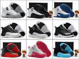 Nuevos niños 12 zapatos de baloncesto de los barones retros Muchachos y muchachas produjeron el juego de la gripe, azul francés, gamma azul, zapatillas de deporte del neopreno Zapatos blancos negros del taxi supplier boys games kids desde niños juegos niños proveedores