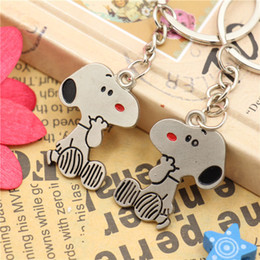 Wholesale Snoopys Peanut Dog Keychain Keyring Key Cute Creative Gift Lovers Key Ring Couple Keychain Rings Snoopy advertising