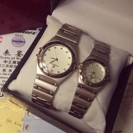 Wholesale Luxury Watch Couple Women Men Watches Quartz Watchwrist Diamond Dial Big Brand O clock for Men Women gift