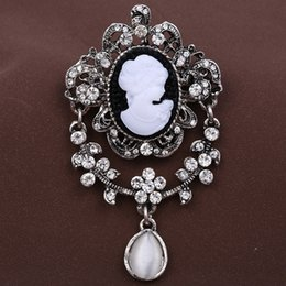 2016 NEW Vintage Brooch Pins Elegant Beauty broche Jewelry Fashion Rhinestone Brooches For Women Mother's Day Gifts