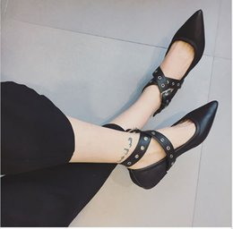 Wholesale Classic Pointed Toe Pumps Best Sale Women Rivets Flats Shoes