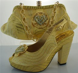Afircan style high heel shoes and bag suitable matched for dress in YELLOW ME3301
