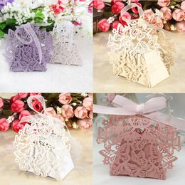 100Pcs set Butterfly Laser Cut Hollow Carriage Baby Shower Favors Boxes Gifts Candy Boxes Favor Holders With Ribbon Wedding Party Supplies