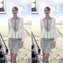 Carla Ruiz 2016 Plus Size Mother Of The Bride Suits Long Jacket Vintage Lace Peplum Knee Length Satin Groom Wedding Guest Dreses EN6245