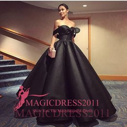 Elegant Black Evening Dresses 2019 Ball Gown Off-Shoulder Rhinestones Crystal Ruffled Long Prom Dresses robes de soirée Cheap