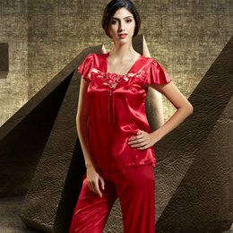 Hot Sale 2019 Fashion Red Women Pajamas Summer Short Sleeve Sleepwear Embroidery Square Collar Pyjama Female Free Shipping 6311