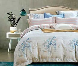 Wholesale Professional supplier Bedding Sets Cotton Bedding Sets with Graceful Patterns for Bed Rome at Home