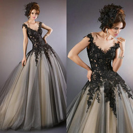 Elegant Ball Gown Evening Dresses Sheer Black Lace Appliques Formal Prom Gowns Custom Made Floor Gothic Pageant Party Dresses
