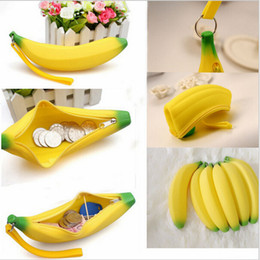 Wholesale Silicone Banana small purse Banana coin Pencil Case Wallet bag purse bag key Keychain Cosmetic Jewelry Gifts Waterproof