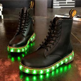 Bottes d'hiver LED Chaussures Noir Light Up Chaussures Lumineuses USB Unisex Charge Chaussures colorées Glowing Livraison gratuite à partir de lumières bottes fabricateur