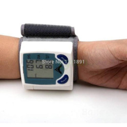 1PCS Digital LCD Wrist Arm Blood Pressure Monitor Heart Beat Meter Machine for your health Digital Blood pressure monitorGrMo