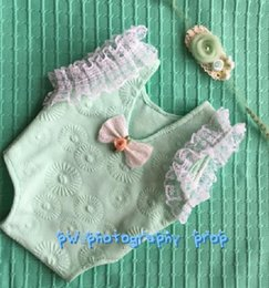 Wholesale hand knit baby sewing romper Baby clothes Newborn baby outfit Handmade knit baby headband and romper sets Baby hooded romper