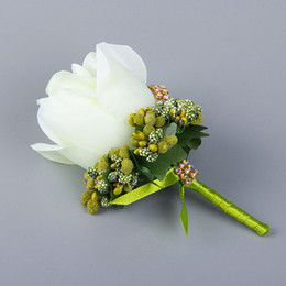Wholesale Lovely White Rose Flowers Wedding Groomsman Brooch For Men Wedding Party Wear Decoration Bridegroom Corsage Accessories Wedding Supplier