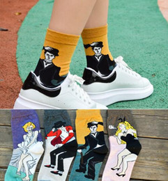Wholesale Art Style Socks Women MEN Cotton Vintage Marilyn Monroe Michael Jackson Chaplin Bunny Girl Socking Lovers Middle tube socks