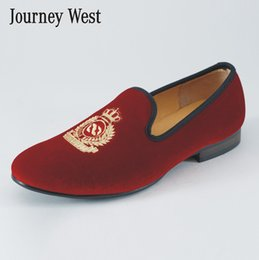 New Handmade Men Red Velvet Casual Loafers Slippers British Men's Flats Shoes Fashion Embroidery Party and Wedding Dress Shoes Size US 7-13