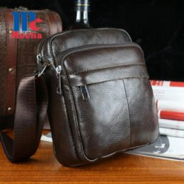 Wholesale ASYION News Genuine Cowhide Leather Bag Brand Shoulder Handbags Vintage Men Messenger Bags Small Men s Travel Bags DB5478